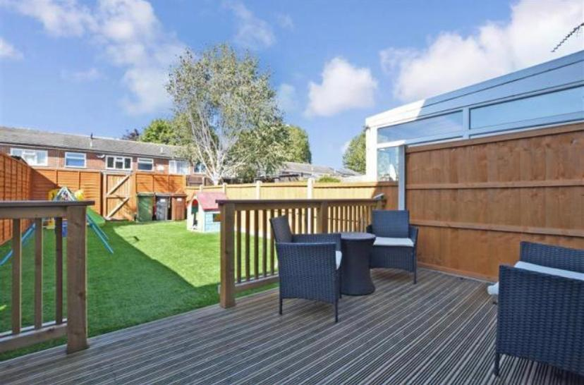 Decking area and Artificial Grass