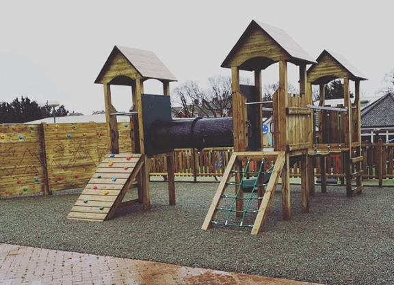 Climbing Frame and Trimtrail – Hand Made Places
