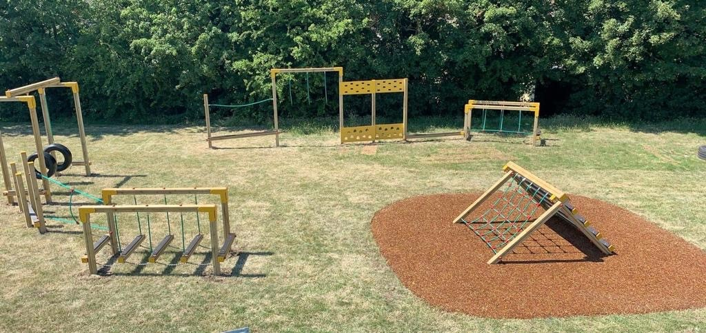 Play equipment and rubber mulch – SSP